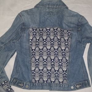 GAP Denim Jacket Vintage size small